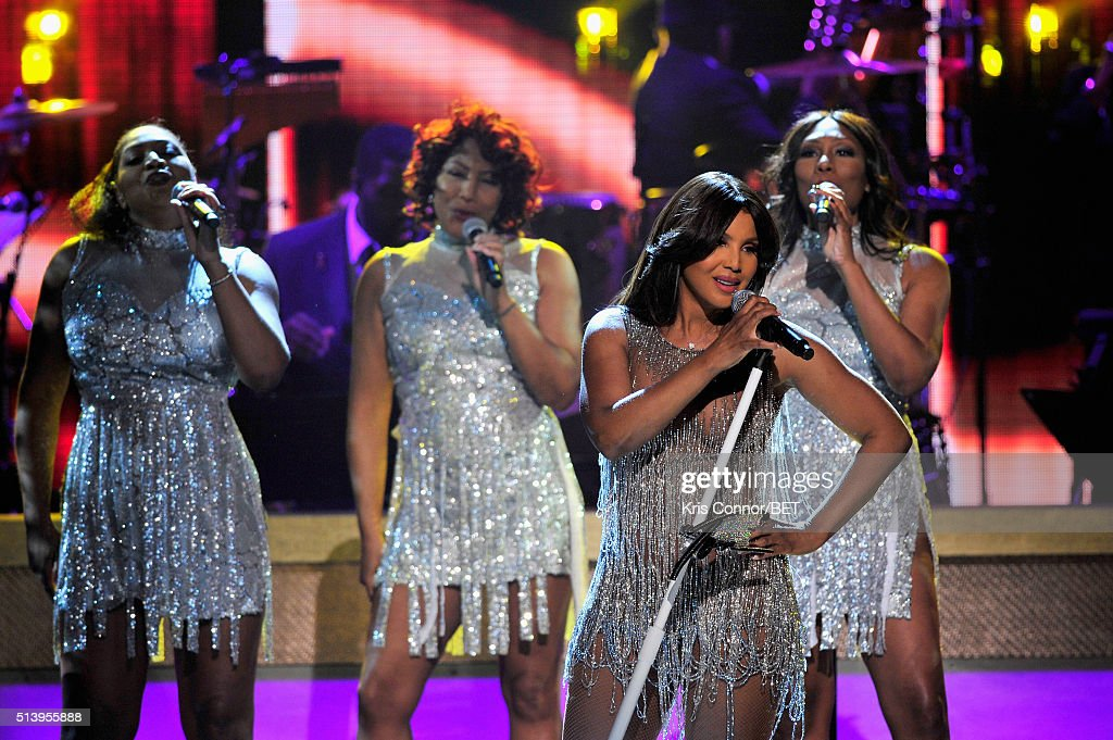 Recording artist Toni Braxton performs on stage during the BET Honors 2016 Show at Warner Theatre on March 5 2016 in Washington DC