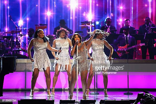 Recording artist Toni Braxton performs on stage during the BET Honors 2016 at Warner Theatre on March 5 2016 in Washington DC