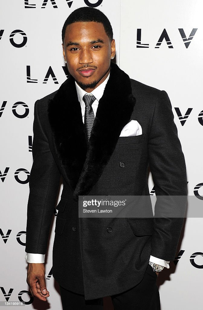 Recording artist Trey Songz arrives to celebrate his birthday at the Lavo Restaurant Nightclub at The Palazzo on November 27 2011 in Las Vegas Nevada