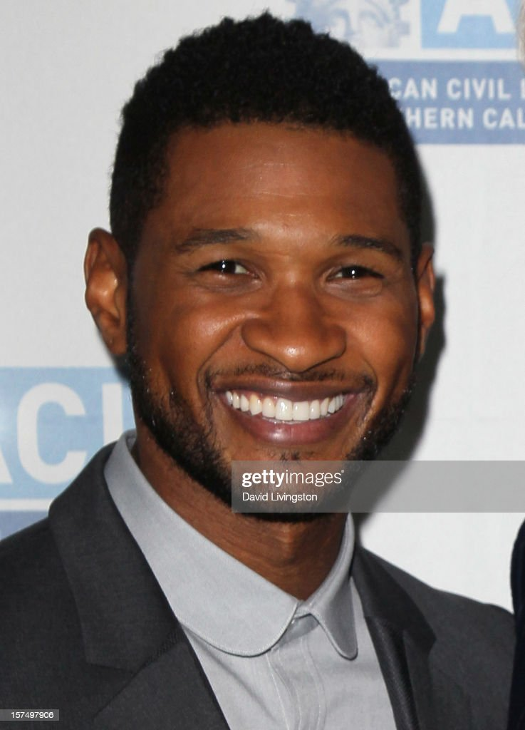 Recording artist <a gi-track='captionPersonalityLinkClicked' href=/galleries/search?phrase=Usher+-+Cantante&family=editorial&specificpeople=201477 ng-click='$event.stopPropagation()'>Usher</a> attends the ACLU of Southern California's 2012 Bill of Rights Dinner at the Beverly Wilshire Four Seasons Hotel on December 3, 2012 in Beverly Hills, California.