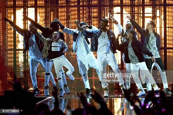 Recording artist Usher performs onstage at the 2016 iHeartRadio Music Festival at TMobile Arena on September 24 2016 in Las Vegas Nevada