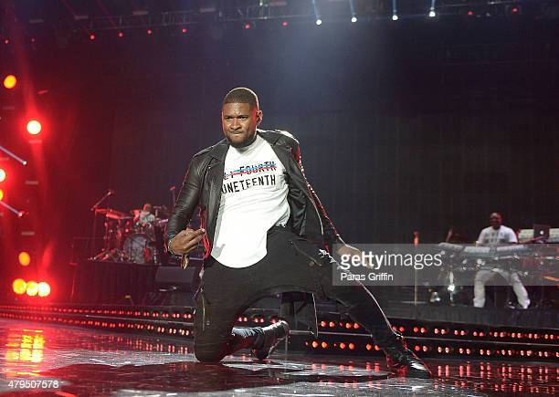 Recording artist Usher Raymond performs onstage at the 2015 Essence Music Festival at MercedesBenz Superdome on July 4 2015 in New Orleans Louisiana