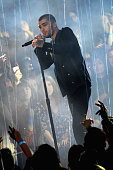 Recording artist Zayn Malik performs onstage at the iHeartRadio Music Awards which broadcasted live on TBS TNT AND TRUTV from The Forum on April 3...