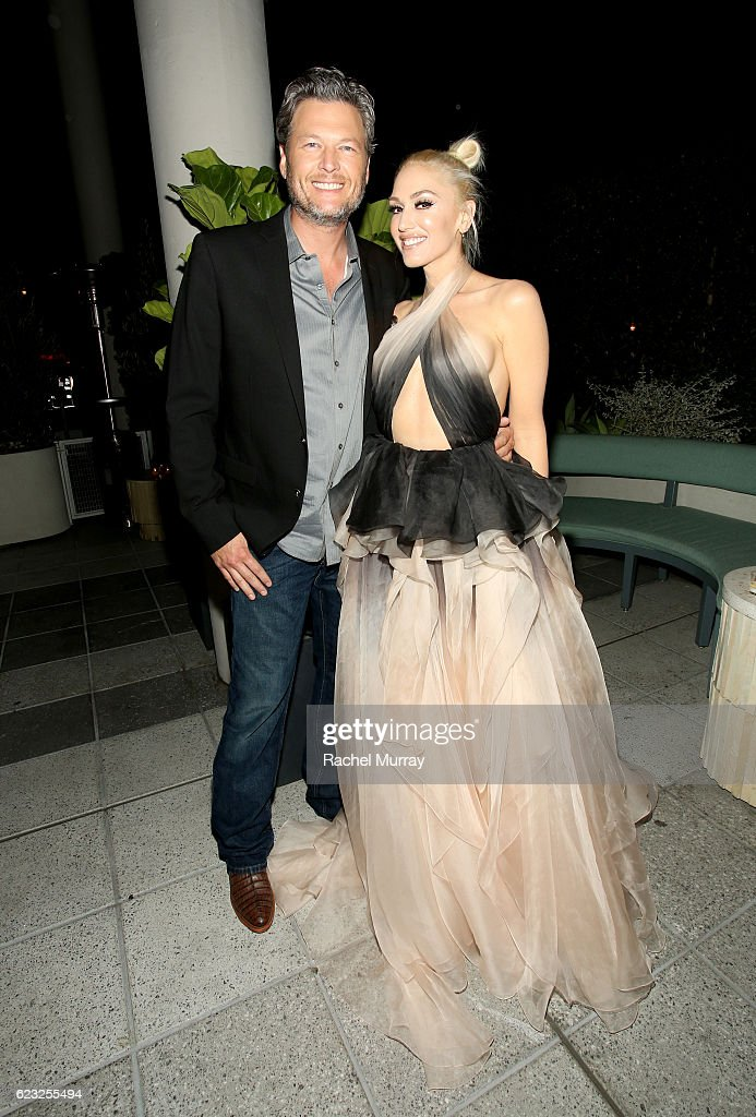recording-artists-blake-shelton-and-gwen-stefani-attend-glamour-women-picture-id623255494