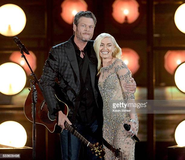 Recording artists Blake Shelton and Gwen Stefani perform onstage during the 2016 Billboard Music Awards at TMobile Arena on May 22 2016 in Las Vegas...