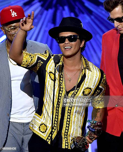 Recording artists Bruno Mars and Mark Ronson accept the Best Male Video award for 'Uptown Funk' onstage during the 2015 MTV Video Music Awards at...