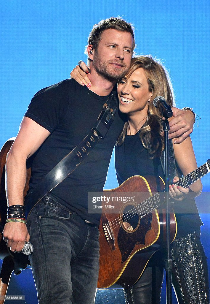 Recording artists <a gi-track='captionPersonalityLinkClicked' href=/galleries/search?phrase=Dierks+Bentley&family=editorial&specificpeople=243007 ng-click='$event.stopPropagation()'>Dierks Bentley</a> (L) and <a gi-track='captionPersonalityLinkClicked' href=/galleries/search?phrase=Sheryl+Crow&family=editorial&specificpeople=201867 ng-click='$event.stopPropagation()'>Sheryl Crow</a> perform onstage during the 49th Annual Academy of Country Music Awards at the MGM Grand Garden Arena on April 6, 2014 in Las Vegas, Nevada.