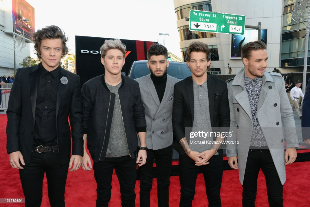 Recording artists Harry Styles, Niall Horan, Zayn Malik, Louis Tomlinson and Liam Payne of One Direction attend the 2013 American Music Awards Powered by Dodge at Nokia Theatre L.A. Live on November 24, 2013 in Los Angeles, California.