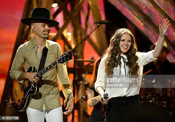 Recording artists Jesse Huerta and Joy Huerta of Jesse Joy perform onstage during the 2016 Latin American Music Awards at Dolby Theatre on October 6...