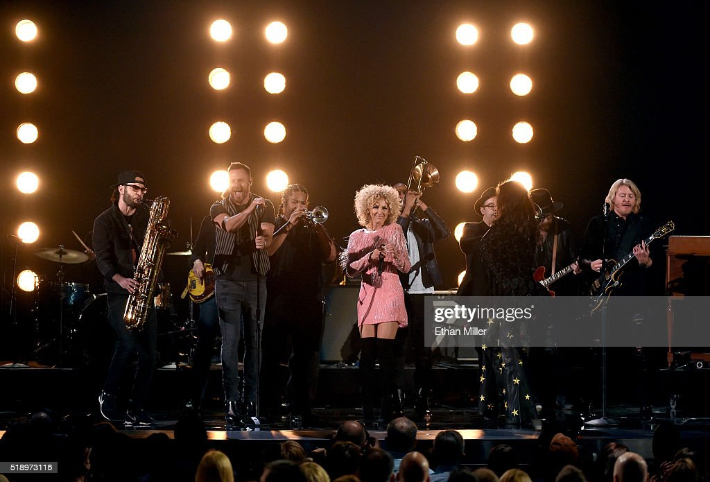 Recording artists Jimi Westbrook Kimberly Schlapman Karen Fairchild and Philip Sweet of music group Little Big Town perform onstage during the 51st...