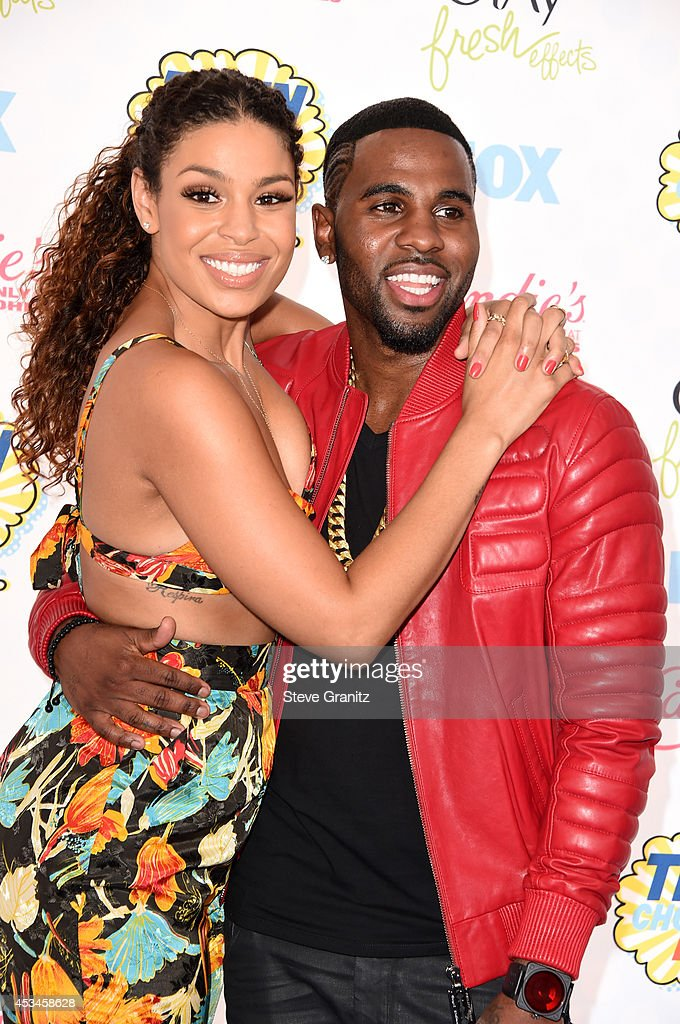 Recording artists Jordin Sparks and Jason Derulo attend FOX's 2014 Teen Choice Awards at The Shrine Auditorium on August 10 2014 in Los Angeles...