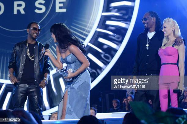 Recording artists Juicy J Katy Perry Snoop Dogg and Gwen Stefani onstage during the 2014 MTV Video Music Awards at The Forum on August 24 2014 in...