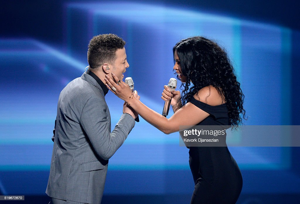Recording artists Justin Guarini and Jordin Sparks perform onstage during FOX's 'American Idol' Finale For The Farewell Season at Dolby Theatre on...