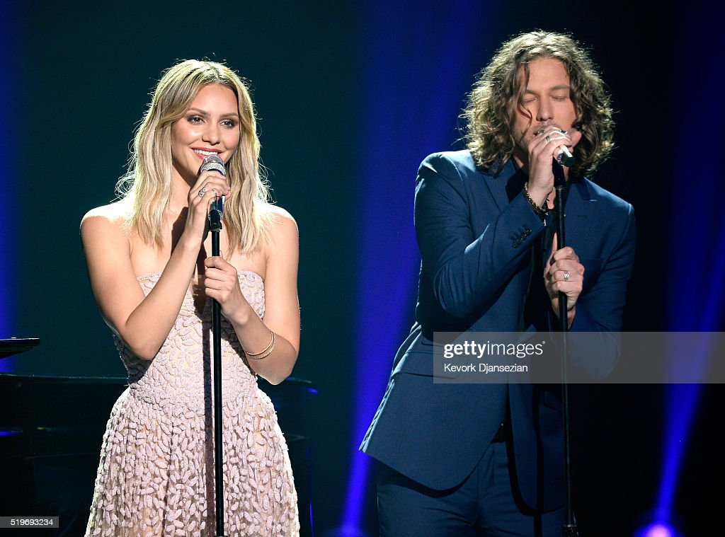 Recording artists Katharine McPhee (L) and Casey James perform onstage during FOX's 'American Idol' Finale For The Farewell Season at Dolby Theatre on April 7, 2016 in Hollywood, California. at Dolby Theatre on April 7, 2016 in Hollywood, California.