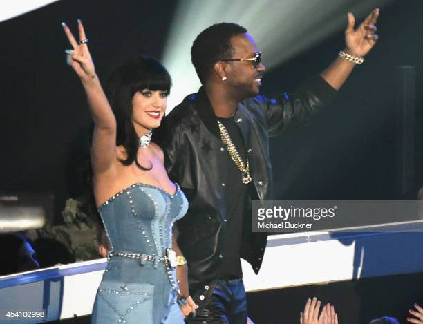 Recording artists Katy Perry and Juicy J accept the Best Female Video award for 'Dark Horse' onstage during the 2014 MTV Video Music Awards at The...
