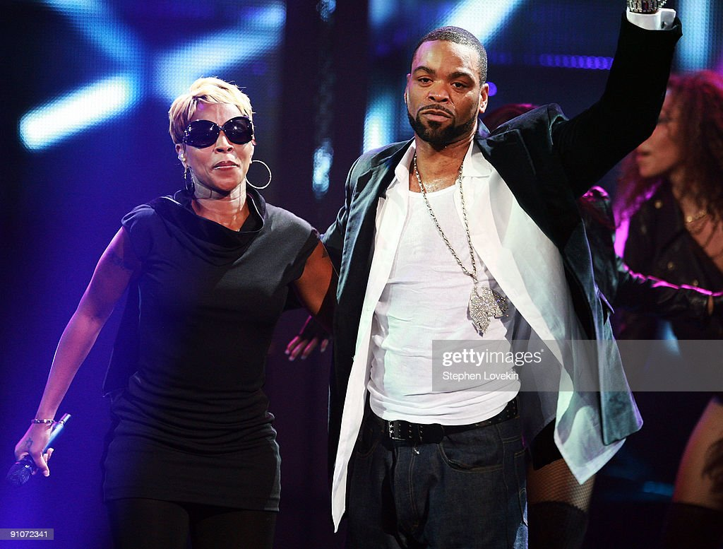 Recording artists Mary J Blige and Method Man perform onstage at the 2009 VH1 Hip Hop Honors at the Brooklyn Academy of Music on September 23 2009 in...