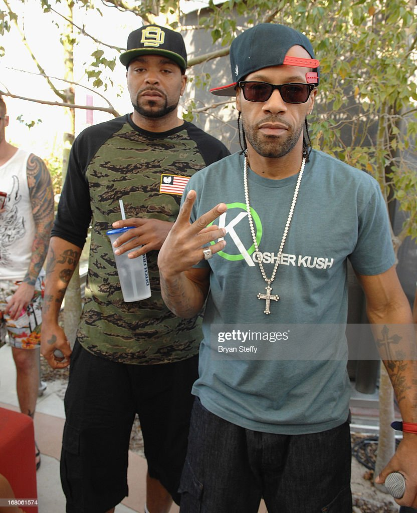 Recording artist's <a gi-track='captionPersonalityLinkClicked' href=/galleries/search?phrase=Method+Man&family=editorial&specificpeople=213181 ng-click='$event.stopPropagation()'>Method Man</a> (L) and <a gi-track='captionPersonalityLinkClicked' href=/galleries/search?phrase=Redman&family=editorial&specificpeople=710884 ng-click='$event.stopPropagation()'>Redman</a> appear during Ditch Weekend at the Palms Pool & Bungalows at the Palms Casino Resort on May 4, 2013 in Las Vegas, Nevada.