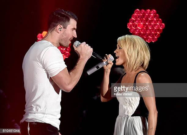 Recording artists Sam Hunt and Carrie Underwood perform onstage during The 58th GRAMMY Awards at Staples Center on February 15 2016 in Los Angeles...