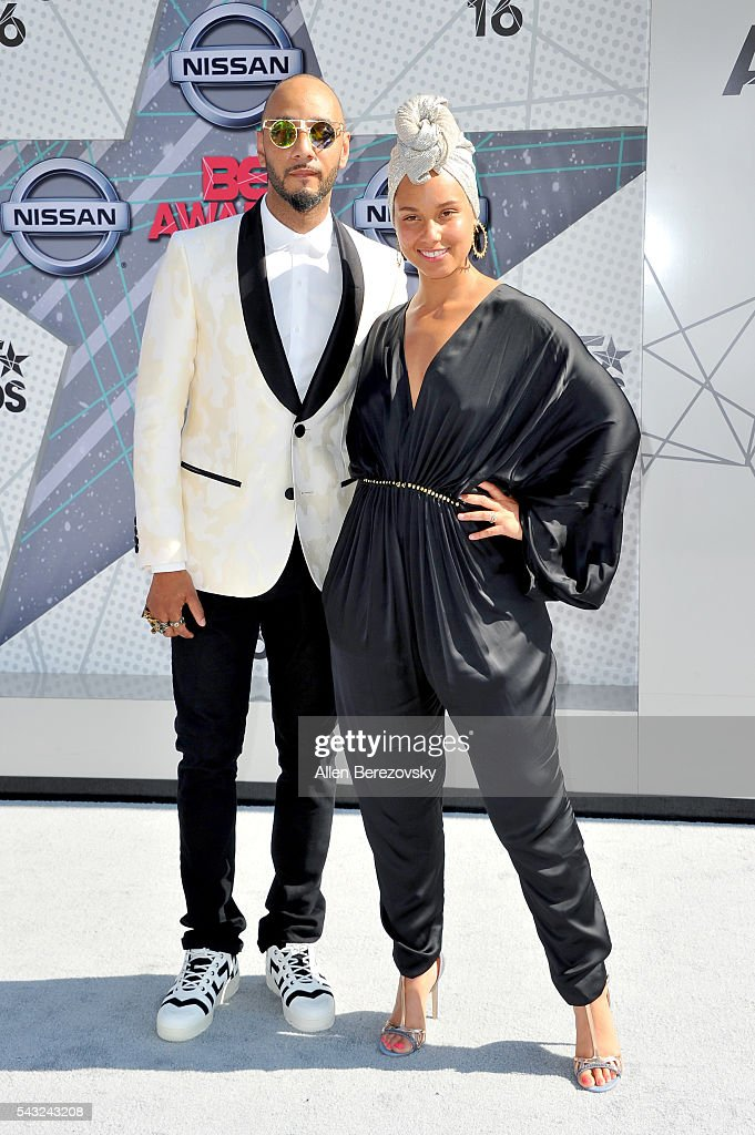 Recording artists <a gi-track='captionPersonalityLinkClicked' href=/galleries/search?phrase=Swizz+Beatz&family=editorial&specificpeople=567154 ng-click='$event.stopPropagation()'>Swizz Beatz</a> (L) and <a gi-track='captionPersonalityLinkClicked' href=/galleries/search?phrase=Alicia+Keys&family=editorial&specificpeople=169877 ng-click='$event.stopPropagation()'>Alicia Keys</a> attend the 2016 BET Awards at Microsoft Theater on June 26, 2016 in Los Angeles, California.