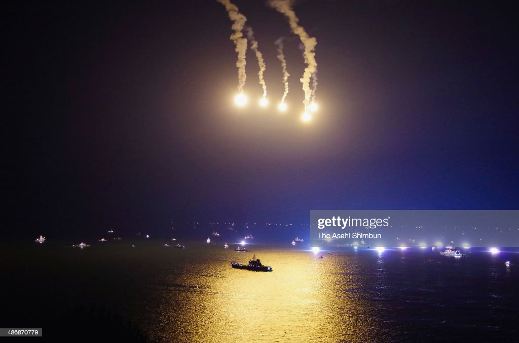 Recovery operation for the missing passengers of the sunken ferry 'Sewol' continues throughout the night on April 25, 2014 in Jindo-gun, South Korea. The confirmed death toll is 183.