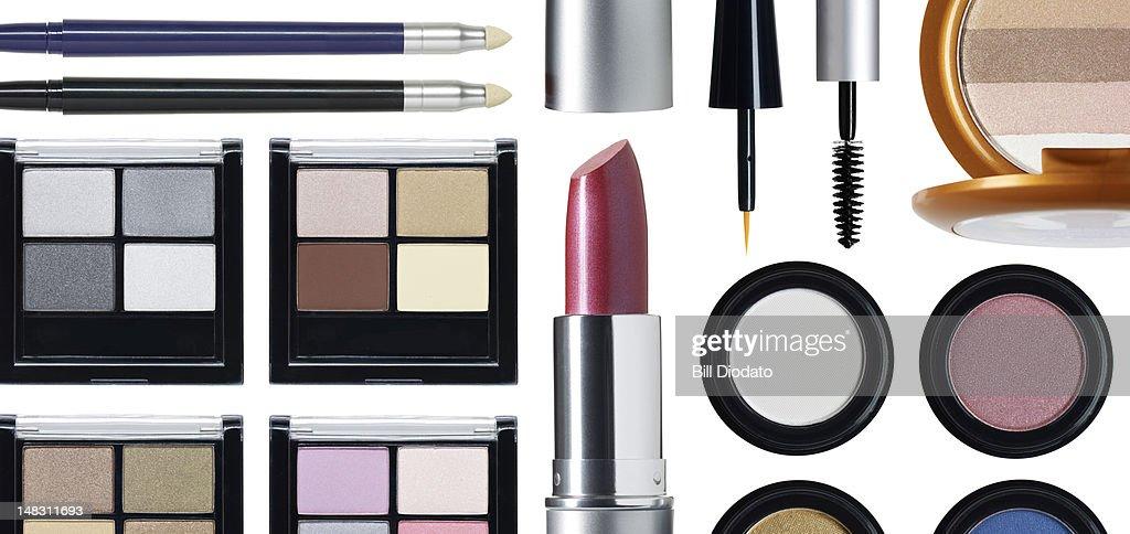 Rectangular cosmetic arrangement