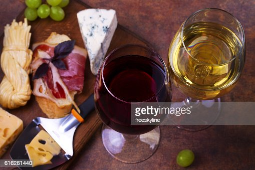 Red and white wine : Stock Photo
