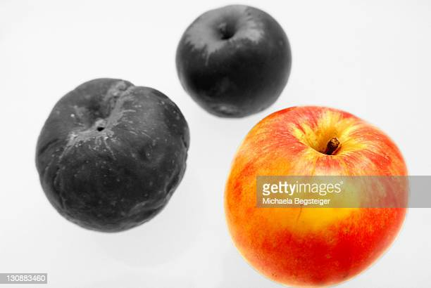 Red apple and colourless apples