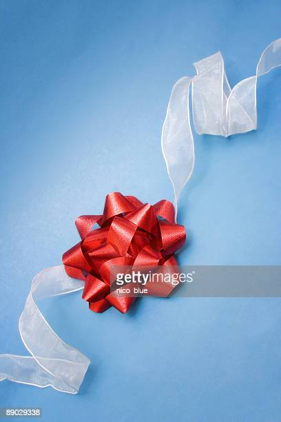 Red bow, white ribbon