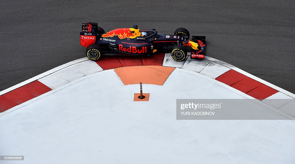 Red Bull Racing's Australian driver Daniel Ricciardo steers his car during the first practice session of the Formula One Russian Grand Prix at the Sochi Autodrom circuit on April 29, 2016. / AFP / YURI