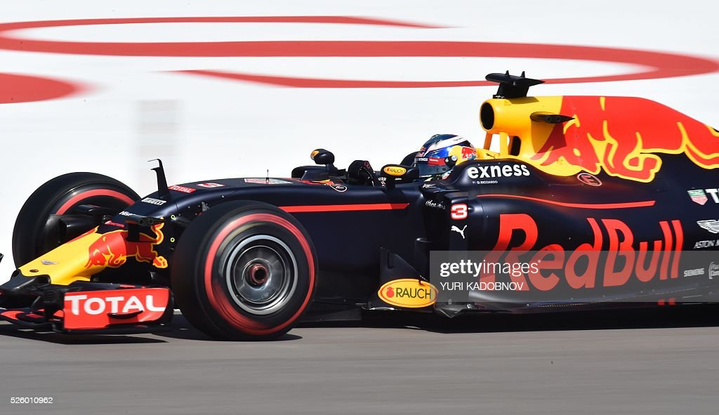 Red Bull Racing's Australian driver Daniel Ricciardo steers his car during the second practice session of the Formula One Russian Grand Prix at the Sochi Autodrom circuit on April 29, 2016. / AFP / YURI