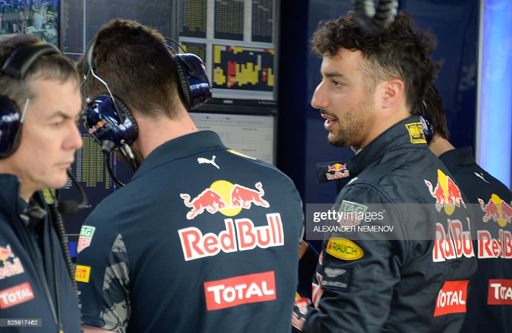 Red Bull Racing's Australian driver Daniel Ricciardo waits in the pits during the first practice session of the Formula One Russian Grand Prix at the Sochi Autodrom circuit on April 29, 2016. / AFP / ALEXANDER