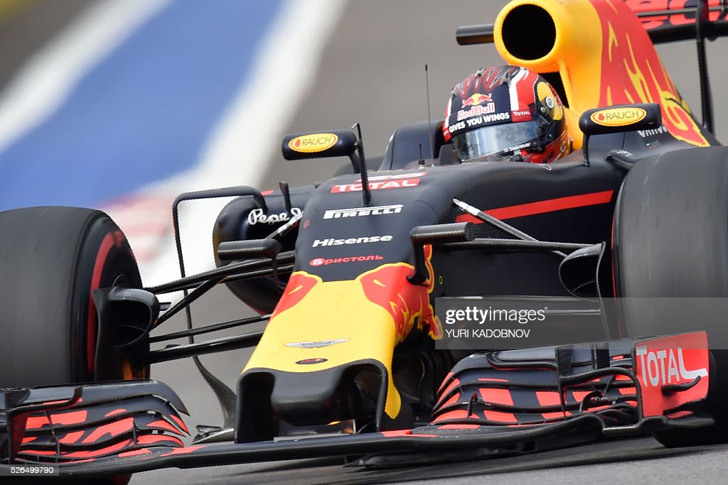 Red Bull Racing's Russian driver Daniil Kvyat steers his car during the qualifying session of the Formula One Russian Grand Prix at the Sochi Autodrom circuit on April 30, 2016. / AFP / YURI
