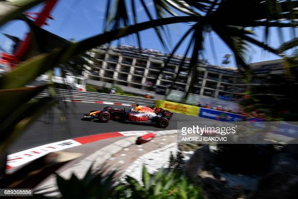 Red Bull's Australian driver Daniel Ricciardo drives during the Monaco Formula 1 Grand Prix at the Monaco street circuit on May 28 2017 in Monaco /...