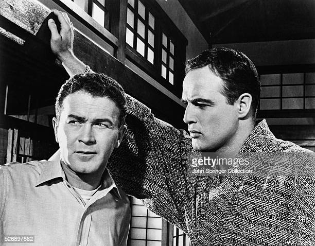 Red Buttons as Airman Joe Kelly and Marlon Brando as Major Lloyd Gruver in the 1957 film Sayonara