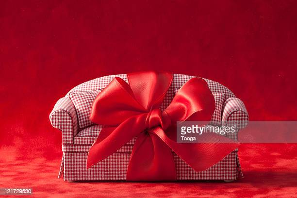 Red check couch with red bow