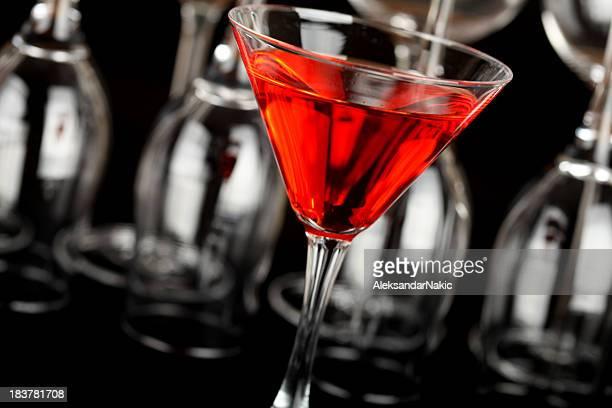 Rot cocktail im martini-Glas