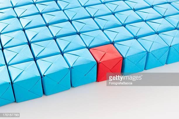 Bleu rouge cube entre amis