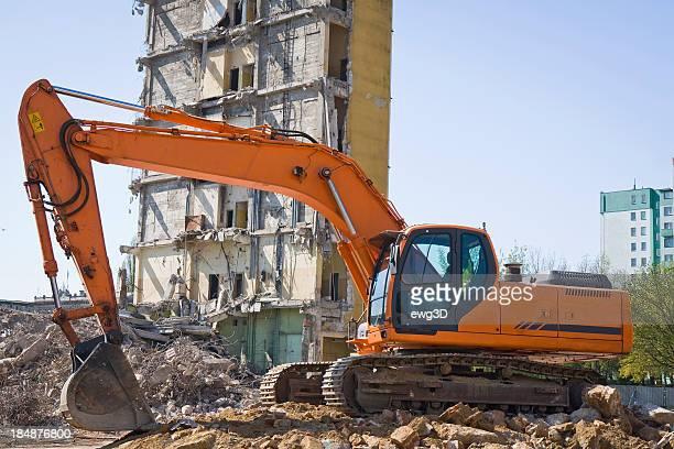 Red Excavator bei der Arbeit