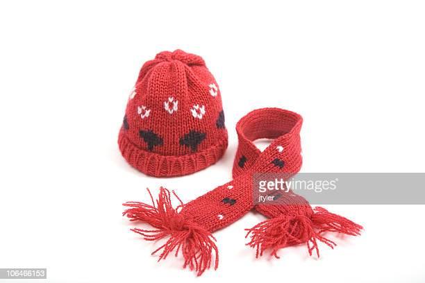 Bonnet et écharpe rouge