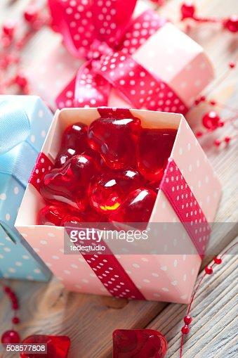 Rouge coeur dans une boîte : Photo