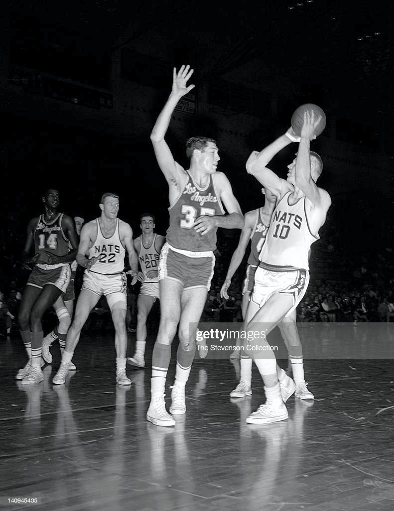 Los Angeles Lakers v Syracuse Nationals