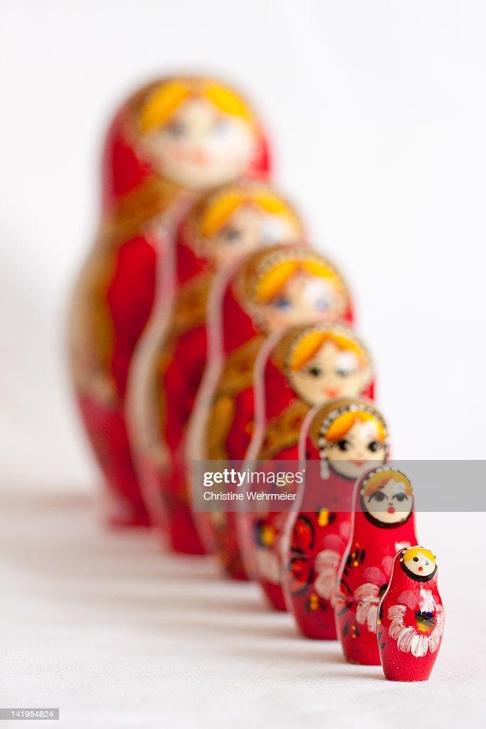 Red Matryoshka dolls : Foto de stock