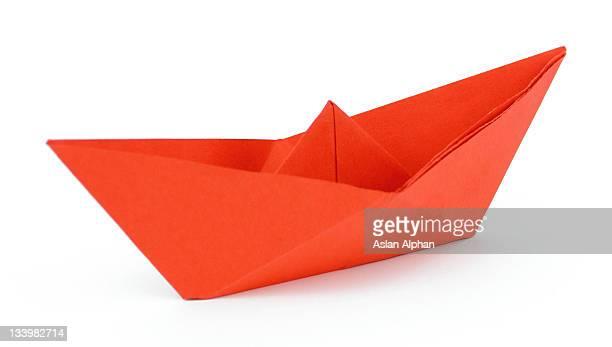 Nave di carta rosso