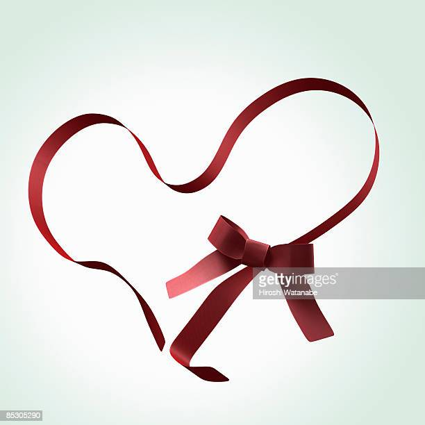 Red ribbon to have shape of heart