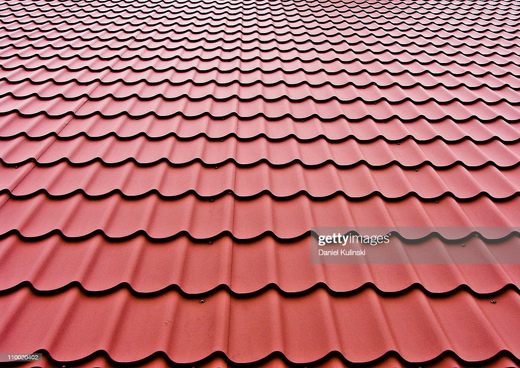Red roof plates : Stock Photo