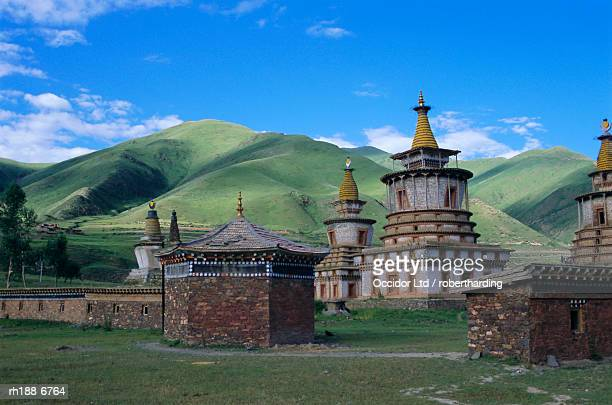 'Red Sect Buddhist monastery, Archon, Baima, Qinghai Province, China, Asia'