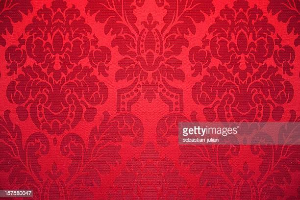 レッドのシルクの壁紙で装飾