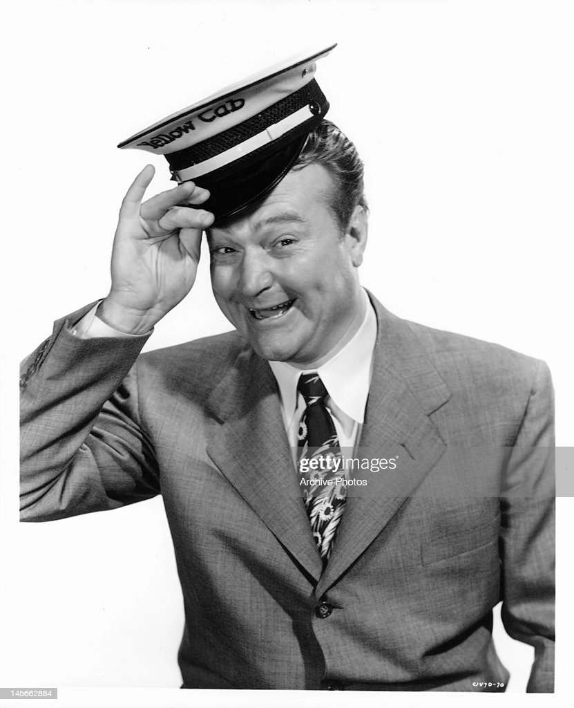 <a gi-track='captionPersonalityLinkClicked' href=/galleries/search?phrase=Red+Skelton&family=editorial&specificpeople=208234 ng-click='$event.stopPropagation()'>Red Skelton</a> publicity portrait for the film 'The Yellow Cab Man', 1950.