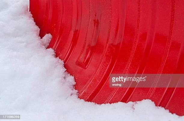 Roter Schneeschaufel