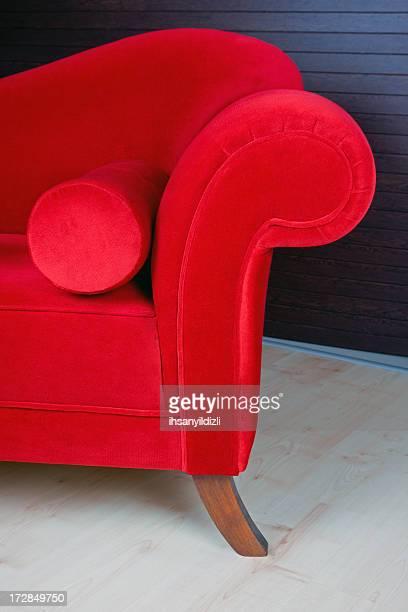 Un canapé rouge